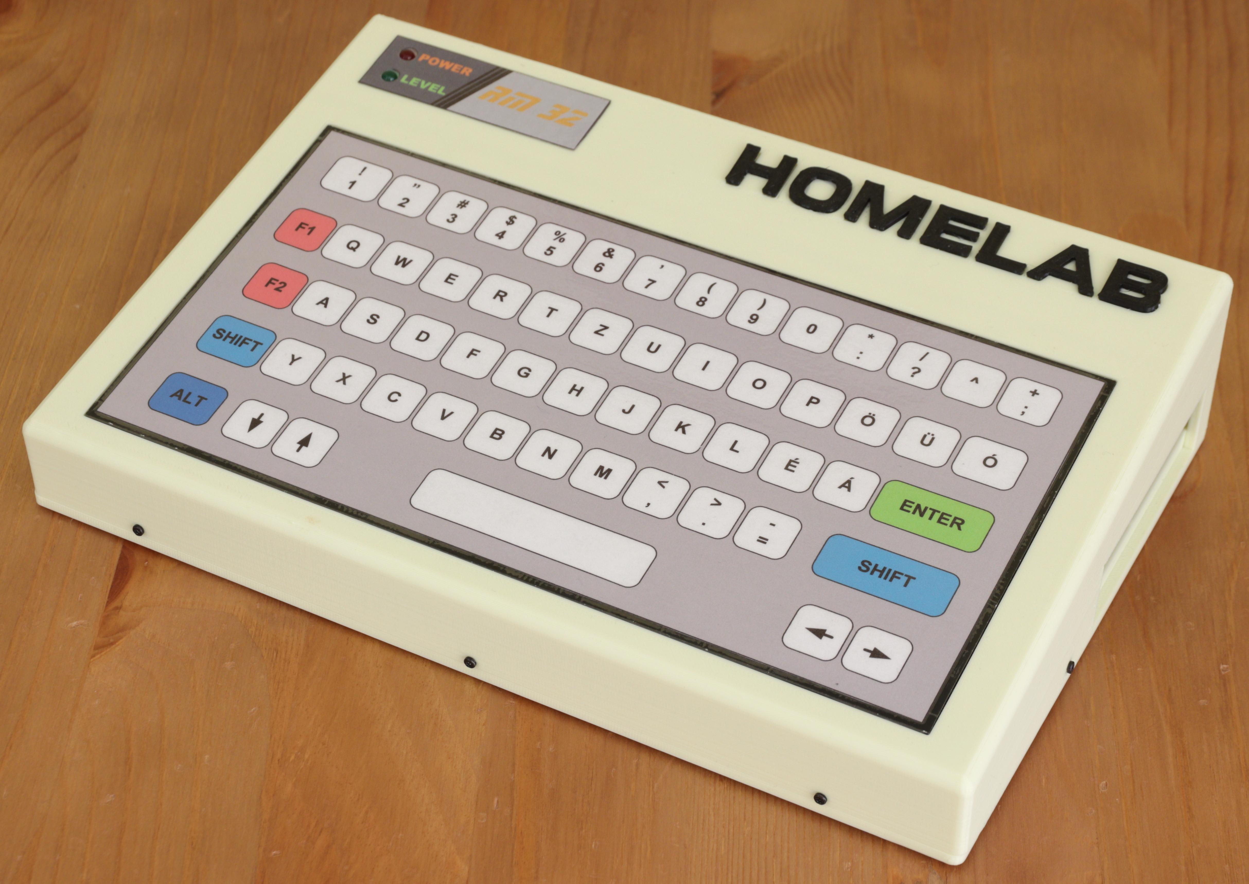 Homelab RM-32 elölről