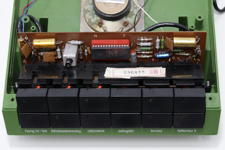 Kapcsolók és elektronika.