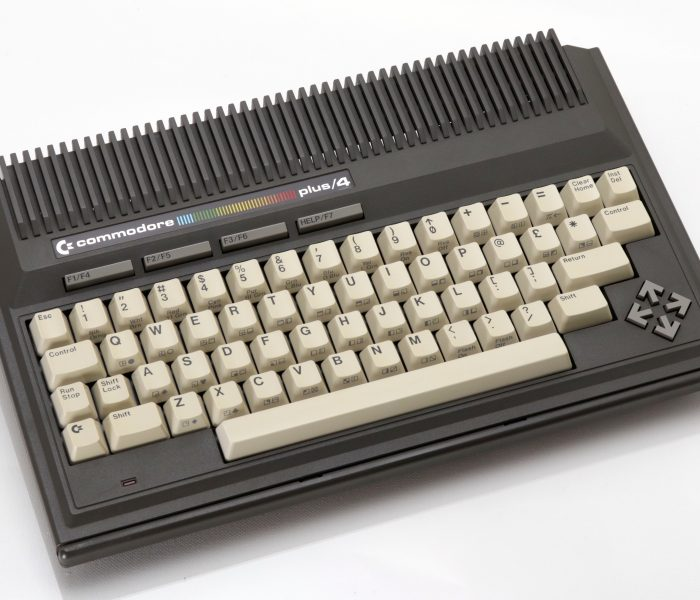 Commodore Plus/4 adatlap